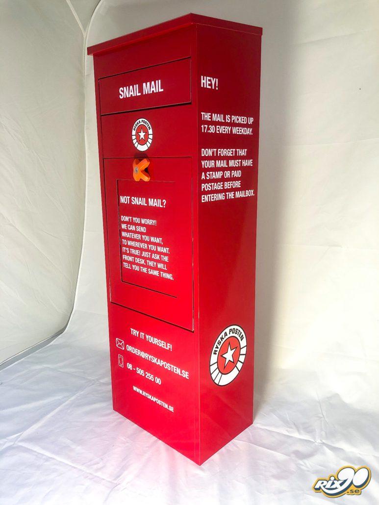 Helfoliering av postlåda med budskap och logotyper