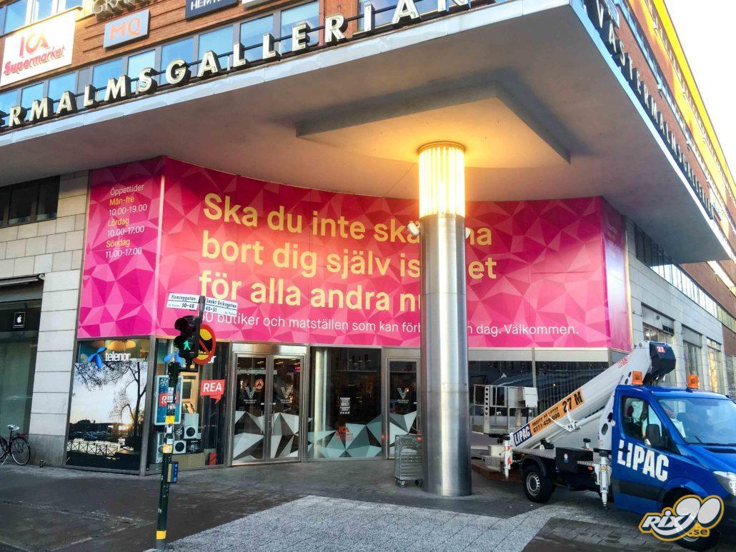 Foliering av väggar och fasad till köpcentrum och galleria i Stockholm