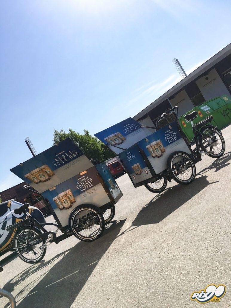 Foliering av cyklar med lådor till Starbucks i Stockholm