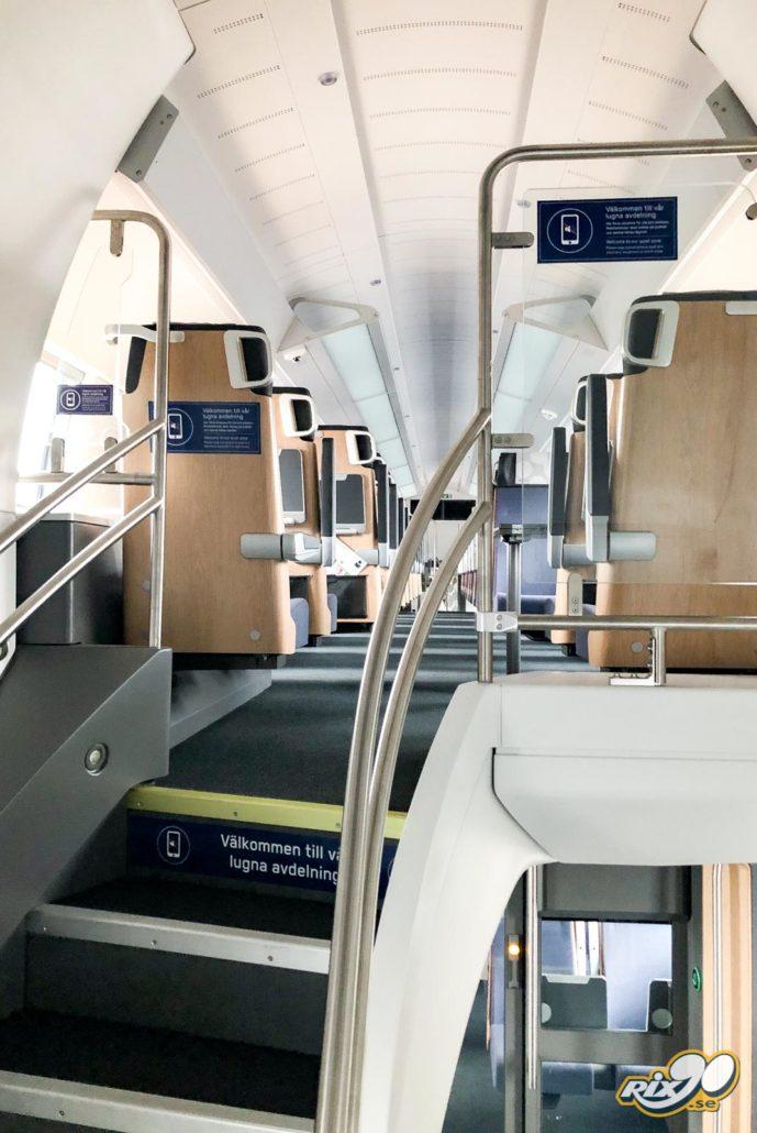 Uppmärkningsdekaler om tyst avdelning på tåg