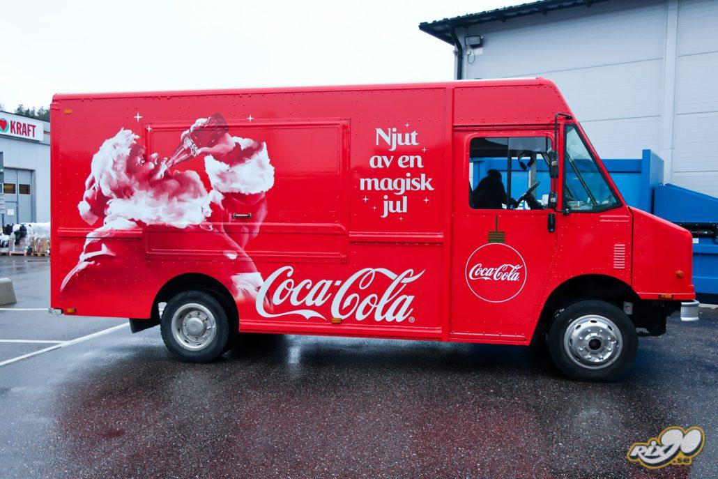 Foliering av stor bil till Coca-Cola inför jul